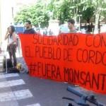 Dal presidio di Bologna solidarietà al popolo di Cordoba, che da 8 mesi lotta incessantemente contro l'apertura, in Argentina, dell'ennesimo stabilimento della Monsanto.