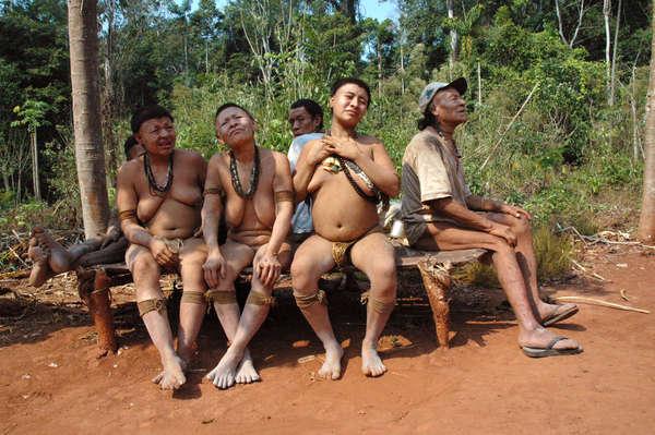 Gli Akuntsu, una delle ultime tribù rimaste, decimata dagli attacchi subiti.