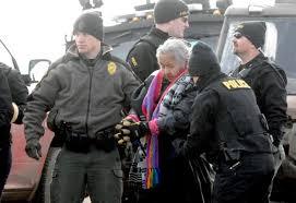 Nonna Regina Brave, una delle circa 50 persone arrestate nel corso dello sgombero dell'Oceti Sakowi camp.