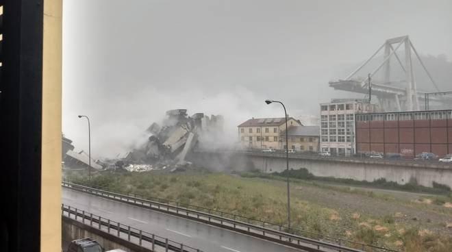 Un ponte è crollato