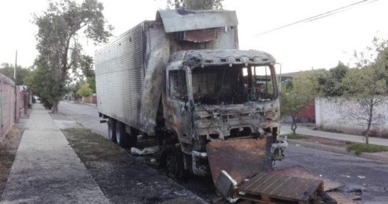 ataco icendiario camion